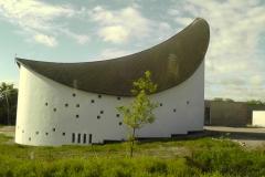 S16800En lidt speciel kirke, som vi så på vejen til Skagen.03