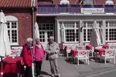 3 yndige damer ved Brøndums hotel, Skagen